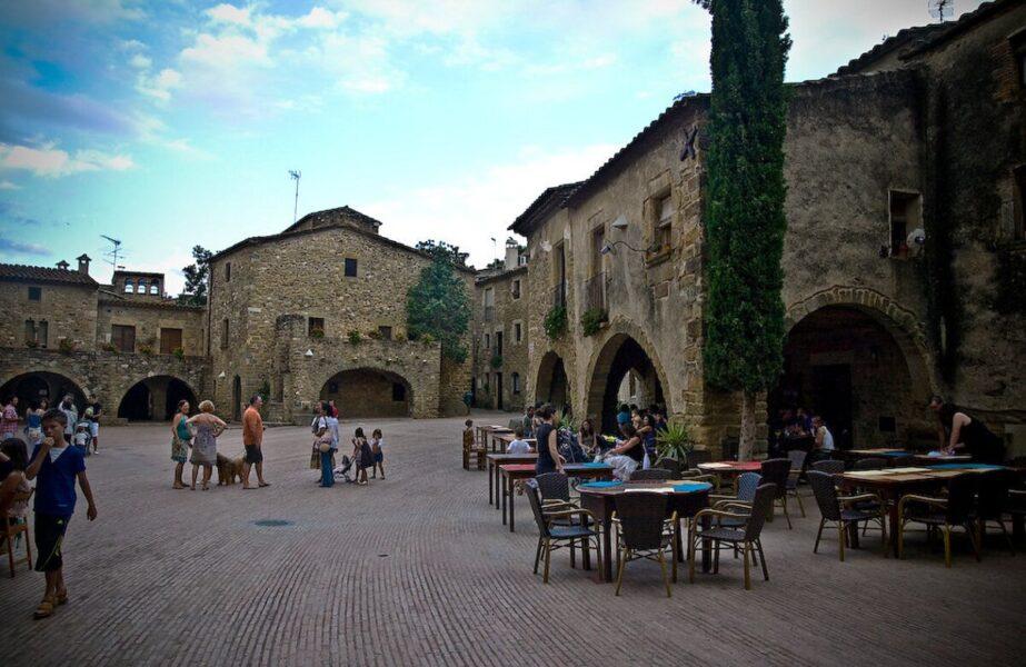 Plaza Jaime I en Monells