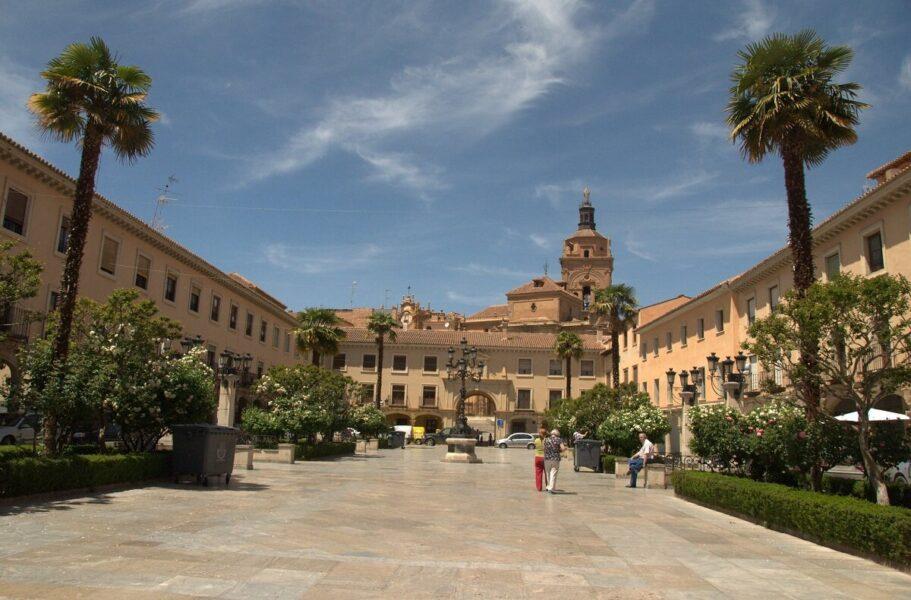 Visitar la Plaza de Las Palomas en Guadix