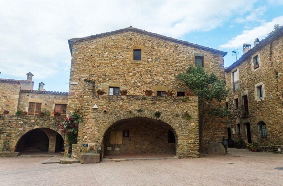 Visitar Monells en Girona
