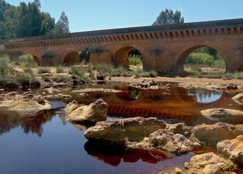 Puente Romano sobre el río Tinto en Niebla
