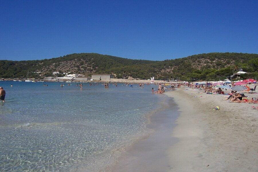 Conocer la Playa de Las Salinas en Sant Jordi.