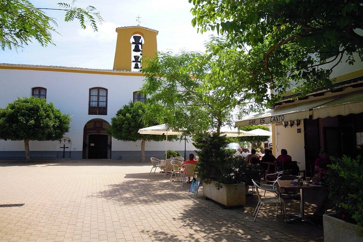 SANTA GERTRUDIS-Pueblos mas bonitos de Ibiza