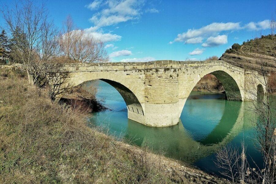 Puente de Abajo sobre el río Éser en Graus