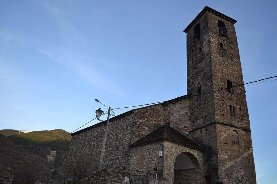 Torre Iglesia de San Saturnino en Broto