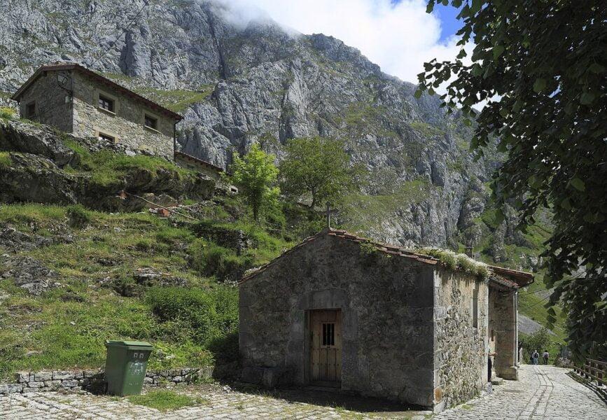 El Castillo Bulnes Arriba