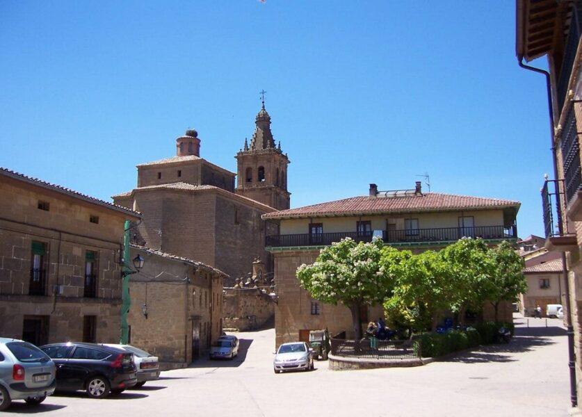 Plaza Mayor de Briñas
