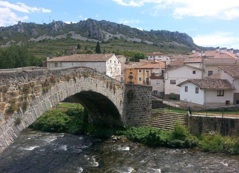 Puente medieval de Torrecilla en Cameros
