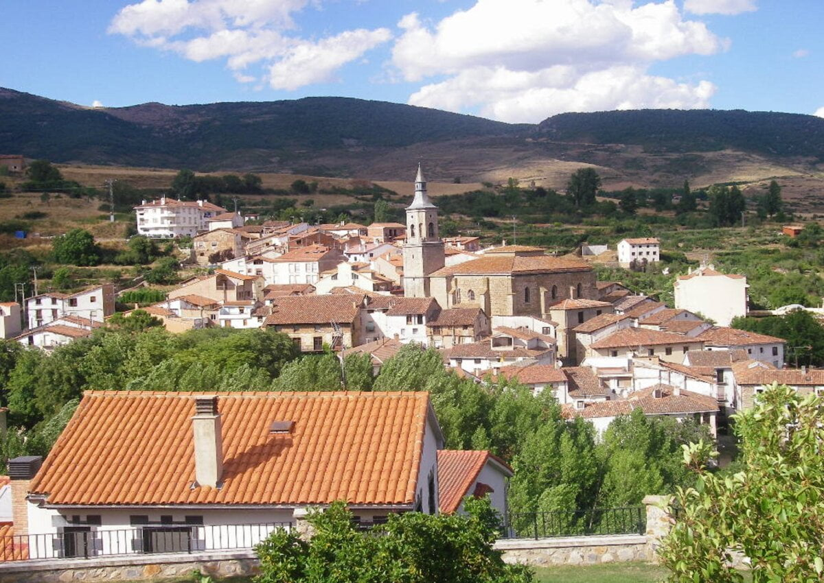 TORRECILLA EN CAMEROS-Pueblos mas bonitos de La Rioja