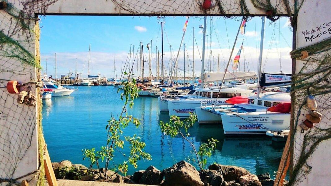 Muelle y puerto de Corralejo