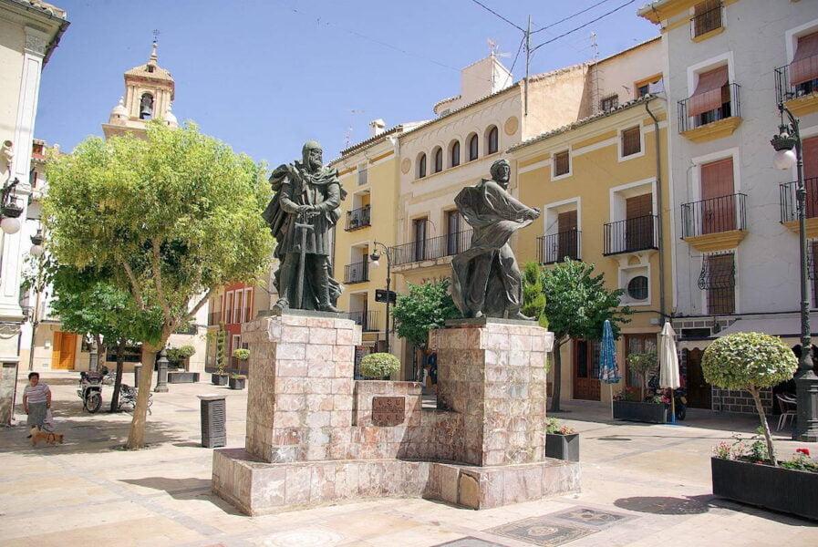 Plaza Estatua