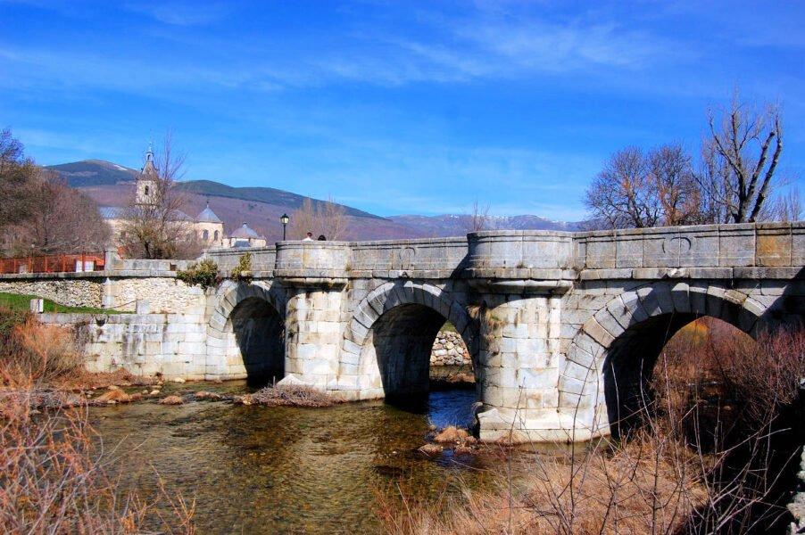 Puente del Perdón sobre el Río Lozoya