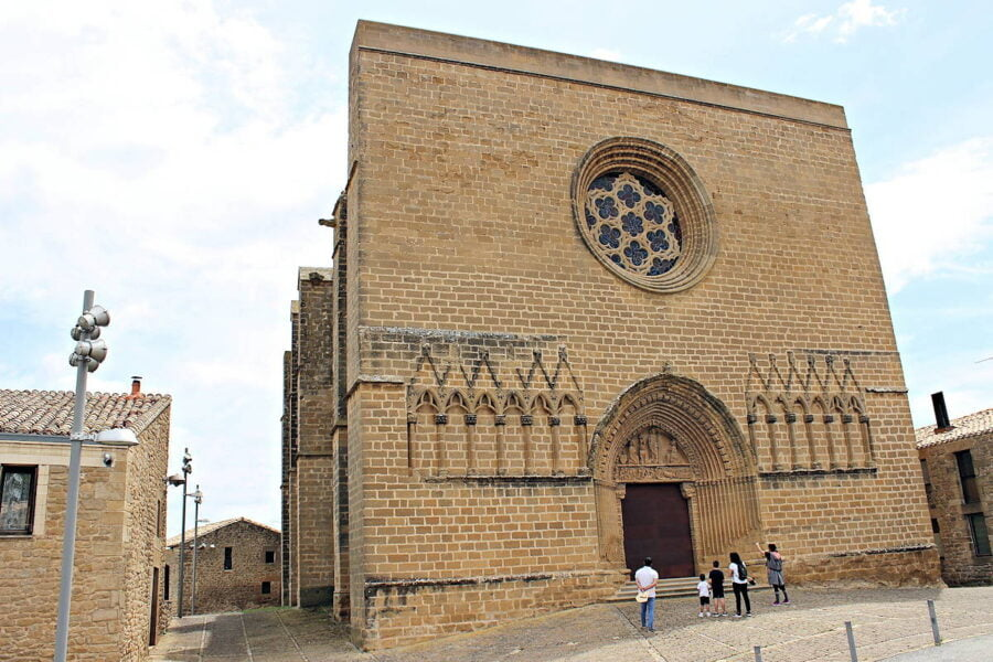 Iglesia Fortaleza de San Saturnino