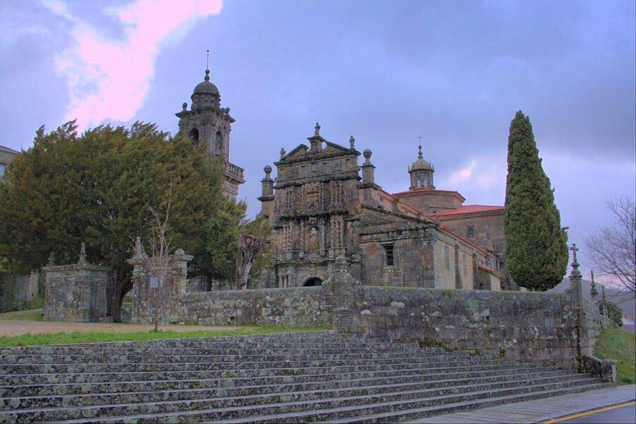 Iglesia de Santa María La Real en Entrimo